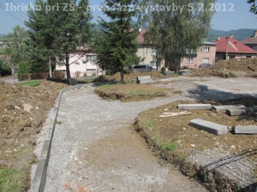 Ihrisko pri ZŠ - prvá fáza výstavby 5.7.2012